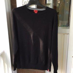 2/20 Levi's Black Long Sleeve Sweater